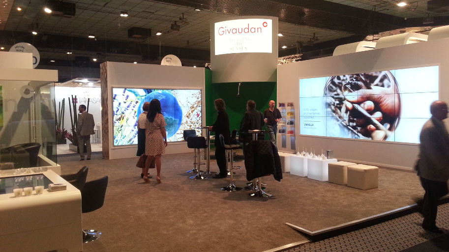 Atra Media Givaudan booth interactive touch video wall_913x513